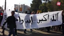 ثوار م. نصر يرفعون المصاحف علي مشارف رابعة