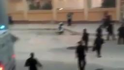 لحظة اعتداء قوات الأمن علي جماهير الزمالك