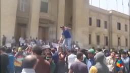 تظاهرة لـ طلاب ضد الانقلاب- بجامعة القاهرة