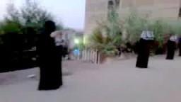 سلسلة بشرية لحركة نساء ضد الانقلاب في بنها