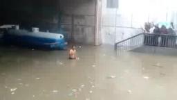 كارثة وغرق سيارة الصرف شارع 45 بالاسكندرية