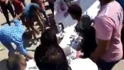 رجالة الصعيد .. تمزيق لافتات تأييد للسيسي في قوص بقنا فى جمعة الخلاص