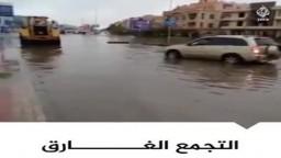 التجمع الخامس بمدينة نصر.. سيارات عالقة وشوارع غارقة بعد موجة أمطار غزيرة