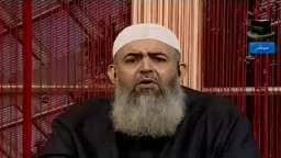 الجواب عن اشكالية اختلاط الرجال بالنساء فى الطواف ... الشيخ حازم صلاح ابو اسماعيل
