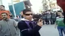 يا حكومة نظيف مش لاقين الرغيف .. هكذا يهتف المصريين