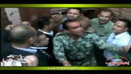 مشهد اللحظة الأولى لخروج خيرت الشاطر من بوابة السجن وتصريحاته فور الإفراج عنه