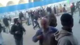 بلطجية يعتدون على متظاهرى الأردن فى وجود الأمن