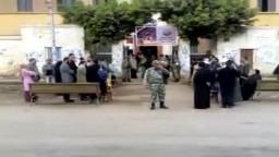 بدأ توافد المواطنين على مدرسة الحرية الثانوية بشبين الكوم .. انتخابات المرحلة الثانية لمجلس الشعب 2011