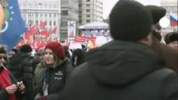 محتجو روسيا ينتقدون بوتين ويطالبون بالغاء نتائج الانتخابات البرلمانية