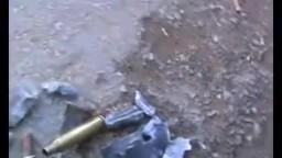 سوريا- ريف حلب الاتارب الطلقات التي ترمى على الاطفال والنساء 20 2 2012