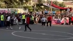 مباراة كرة القدم بين فريقى رابعة و النهضة