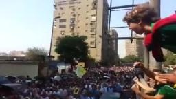 طفل بـ 100رجل يشعل حماس مسيرة المهندسين