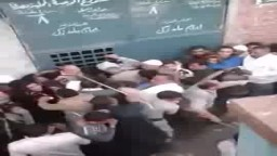 اعتداء الامن على نساء إحدى القرى بسبب الأنابيب